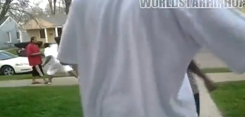 Detroit Goon Knocks A Dealer Out And Robs Him